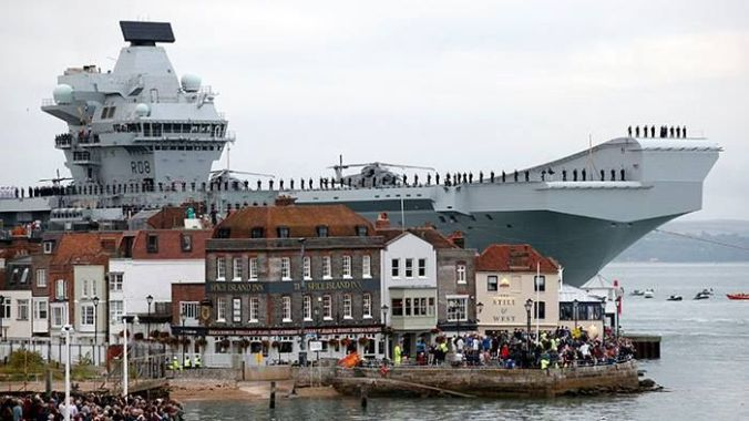 hms-queen-elizabeth-getting-her-home